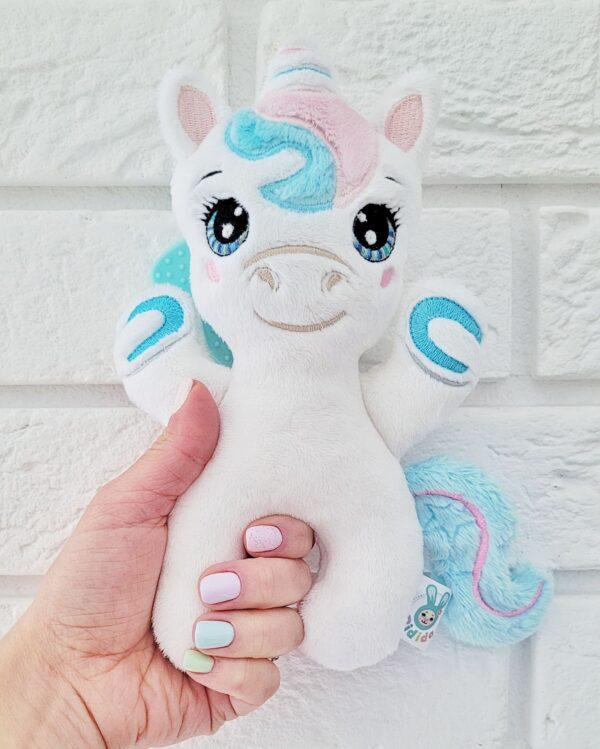 Grzechotka baby unicorn do uszycia na hafciarce projekt ITH